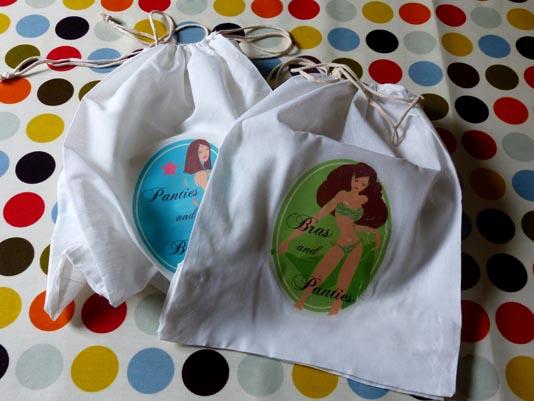 sacs décorés pour ranger les sous-vêtements